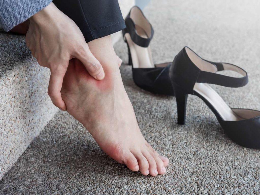 Болят ноги от каблуков