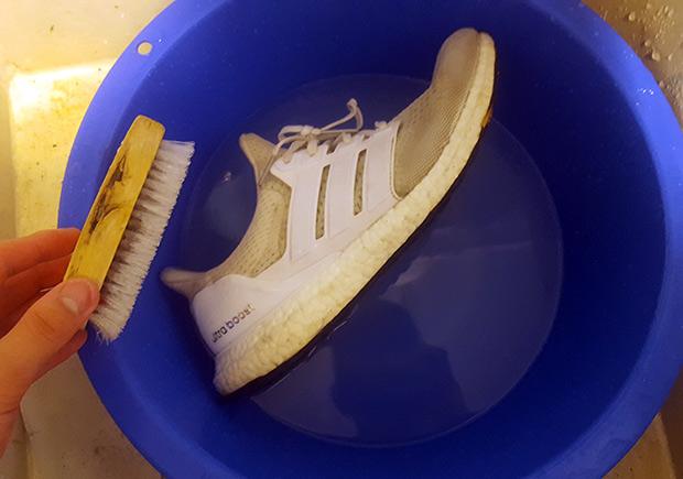 Кроссовки скетчерс как стирать