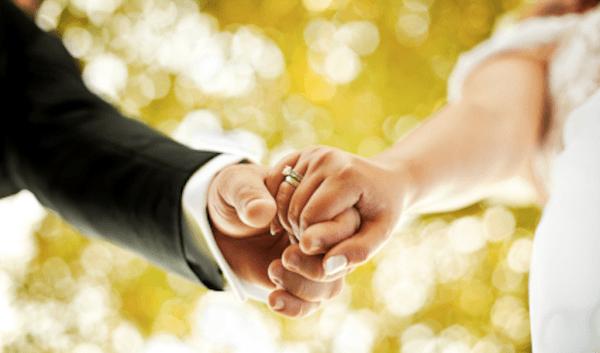 Женатый мужчина влюбился в замужнюю женщину